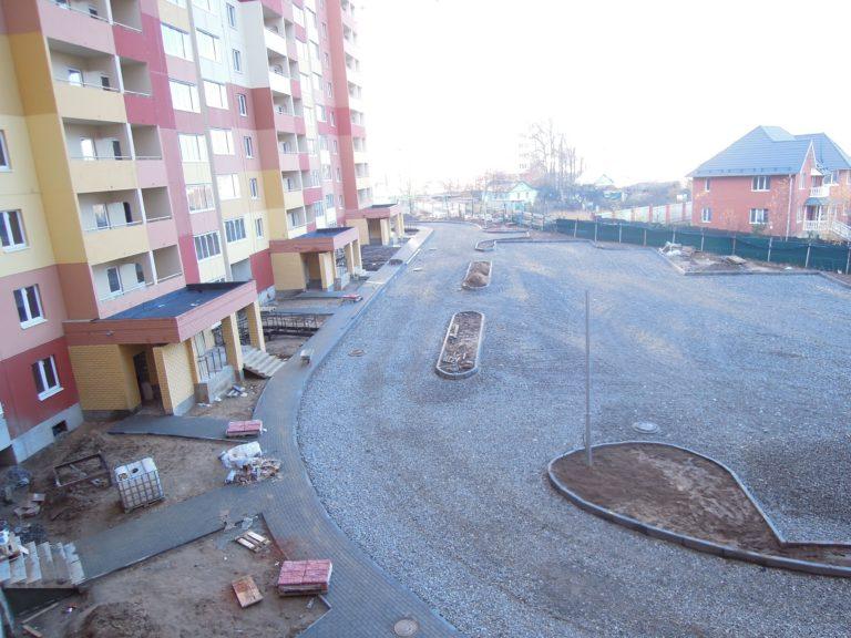 Какие новые квартиры без отделки продаются в ЖК Новые Островцы в феврале.